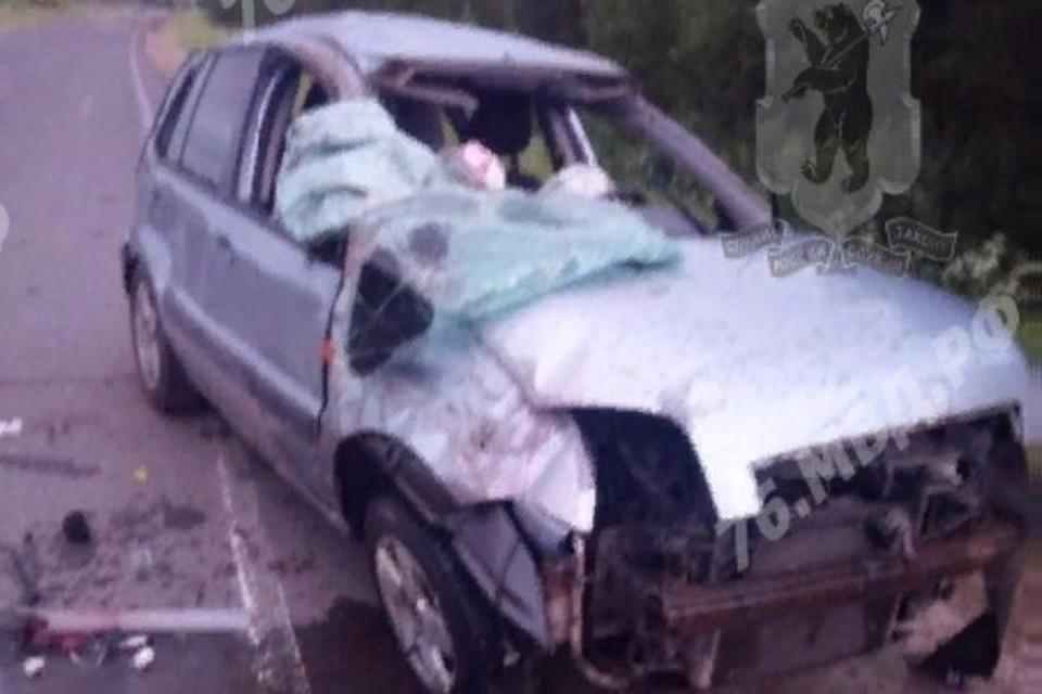 Автомобиль перевернулся, водитель погиб
