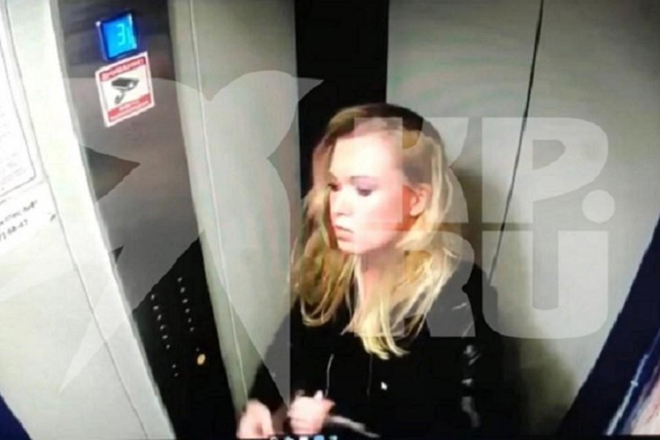 """За несколько часов до гибели, Александра попала на запись камеры наблюдения. Фото: читатель """"КП"""""""