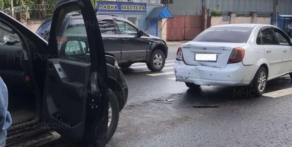Водитель «Дэу» получил травмы