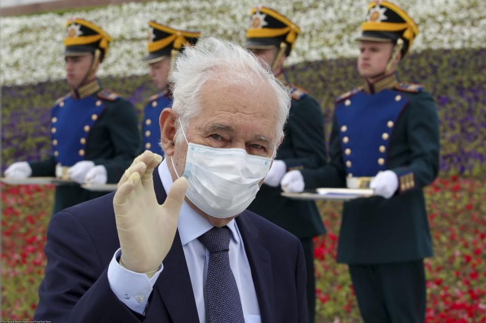 Леонид Рошаль привился от коронавируса в начале 2021 года