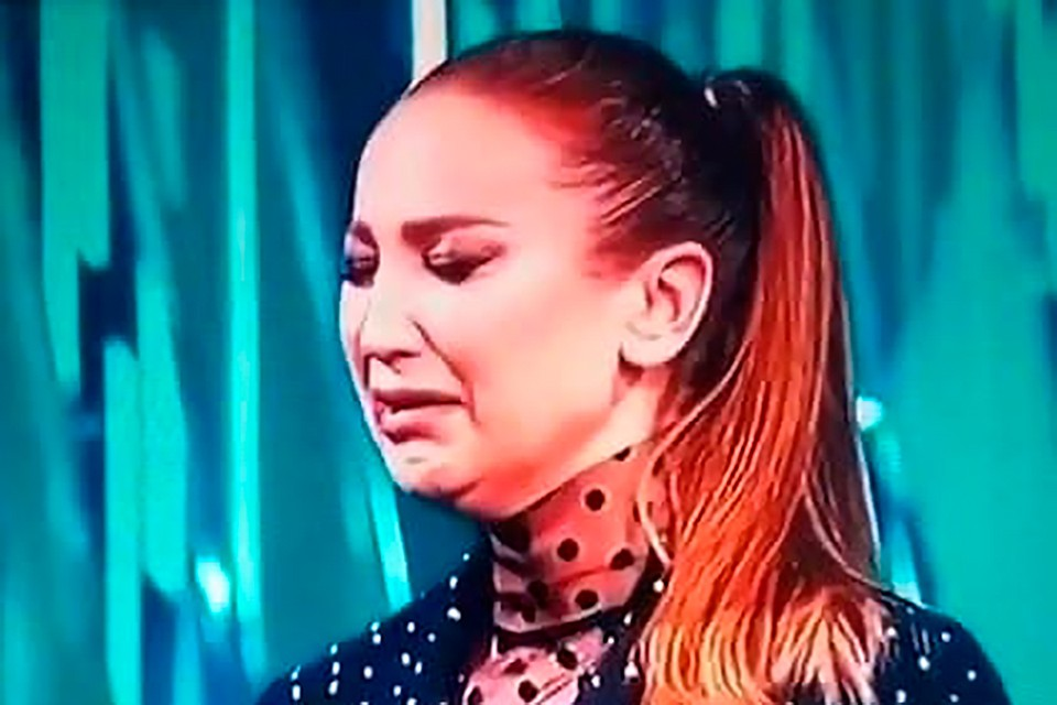 Ольга Бузова расплакалась на телепередаче.