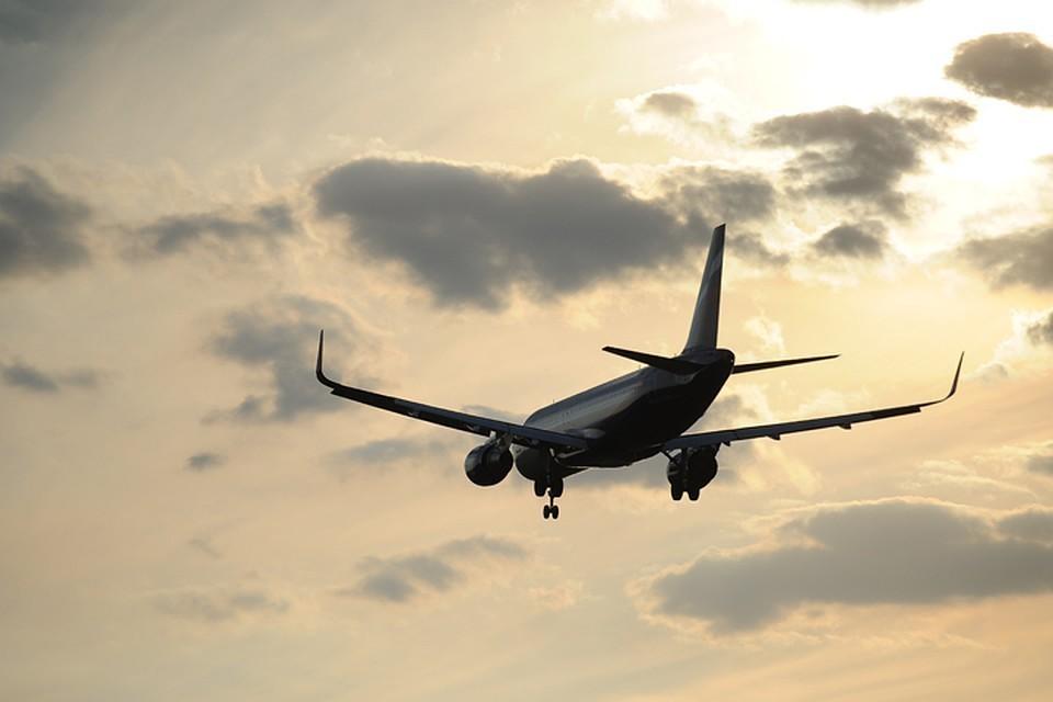 Видео поломки шасси Боинга-787 в аэропорту Лондона попало в сеть