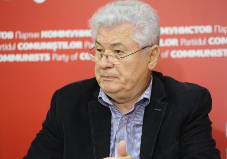 Владимир Воронин предлагает одобрить новую Конституцию, которая обеспечит независимость и суверенитет Молдовы. Фото:соцсети