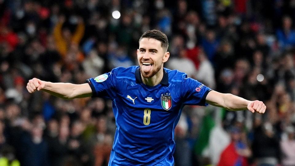 Жоржиньо забил решающий пенальти. Фото: Reuters