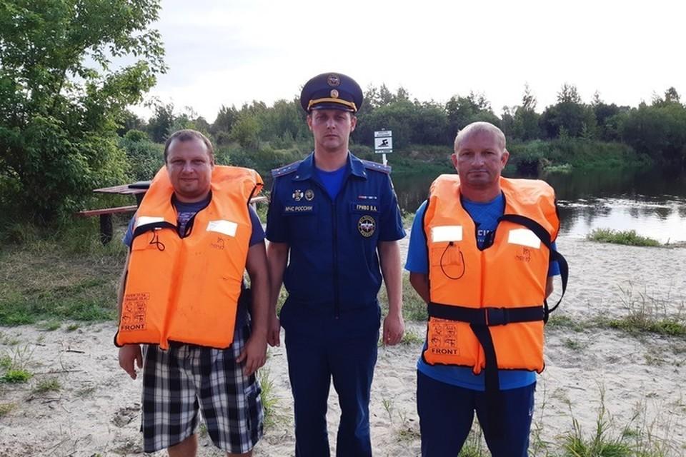 Двух тонущих подростков вытащили из реки спасатели в Новозыбкове.