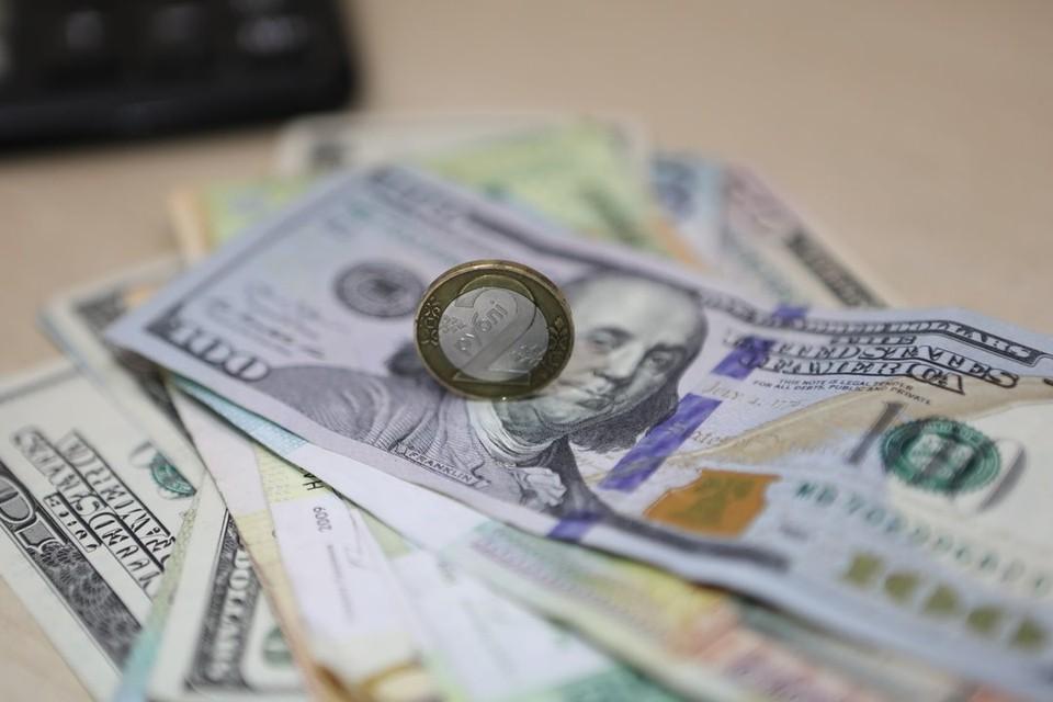 Белорусский рубль на торгах валютно-фондовой биржи 8 июля ослаб к трем основным валютам.