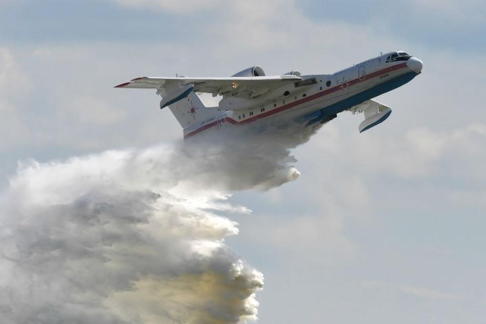 Россия направила в Турцию самолет-амфибию для тушения пожаров