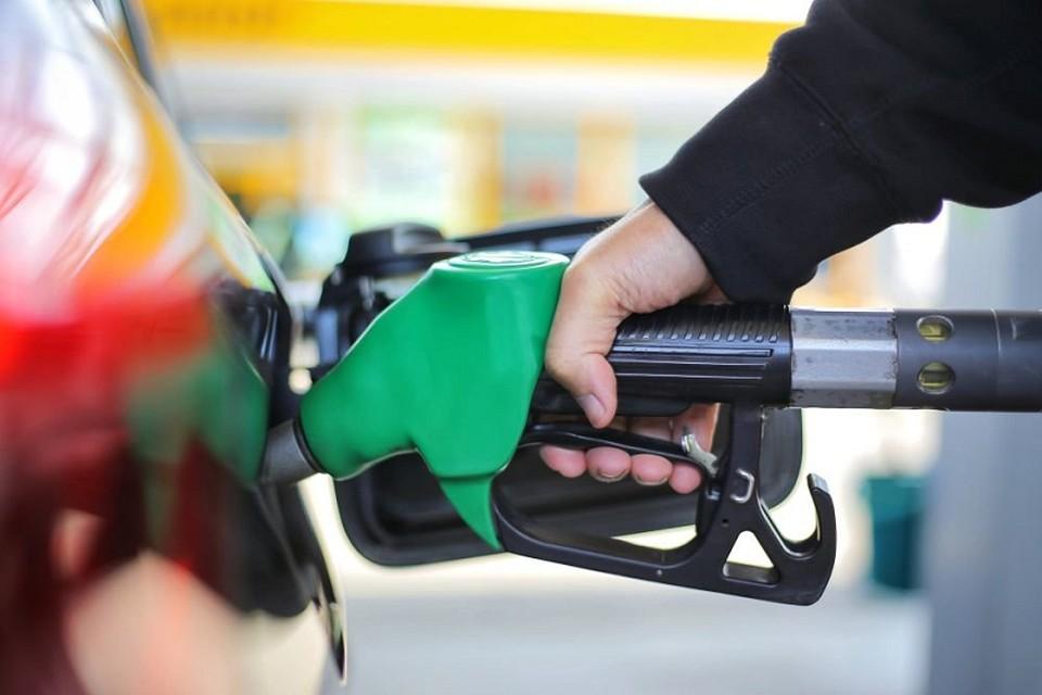 Томскстат проанализировал рост цен на автомобильное топливо в конце июня 2021 года. Можно сделать вывод, что в нашем регионе он не выражен слишком сильно, если сравнить с соседями по СибФО.