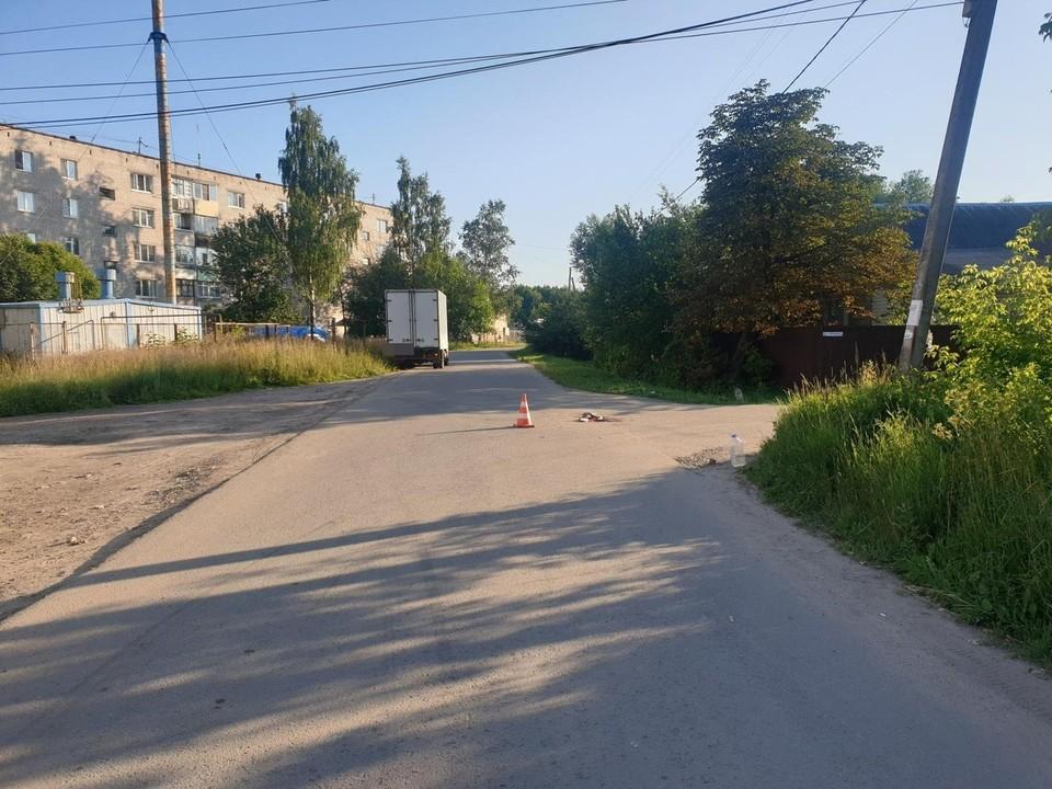 Водитель сбил велосипедистку на перекретске Фото: УГИБДД России по Тверской области