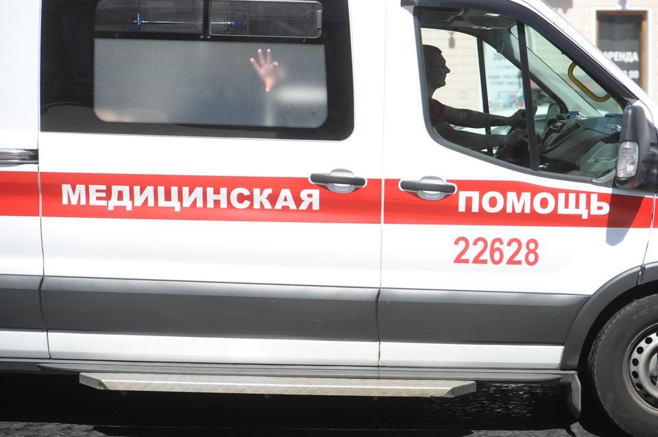 Мужчина погиб, упав с пятого этажа в центре Петербурга