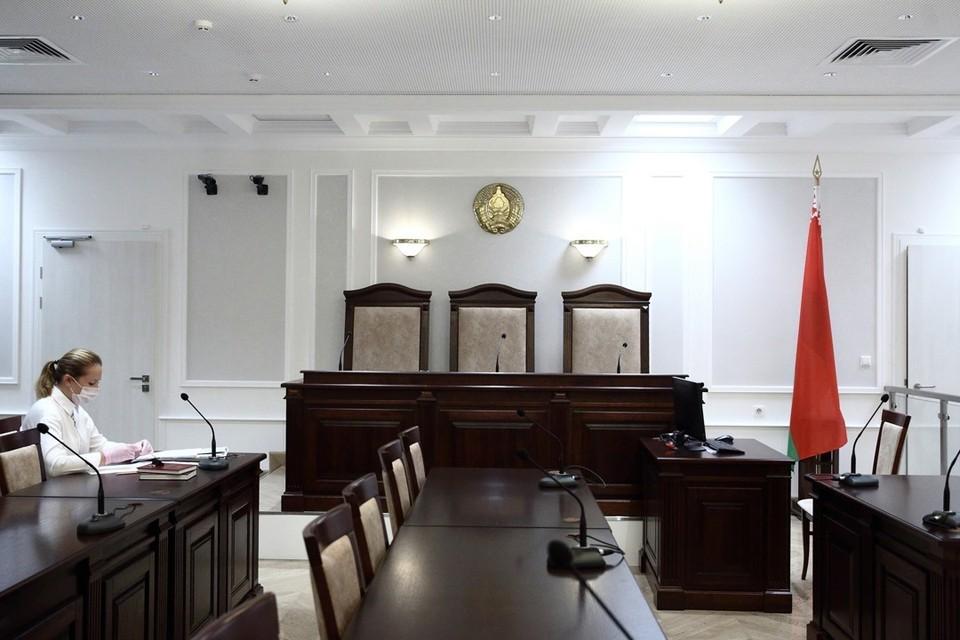 Членами коллегии присяжных могут быть люди разного возраста, образования и профессий, с юриспруденцией они обычно никак не связаны