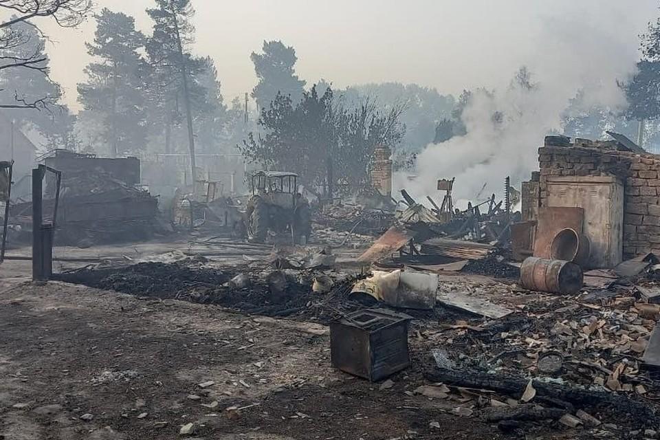 Поселок Запасное, Карталинский район: выгорели жилые дома и дачи. Фото: Ольга ВЕКУШКИНА.