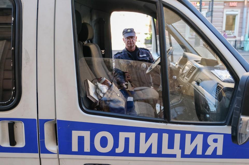 Полиция Петербурга задержала мужчину, прятавшего дома труп человека