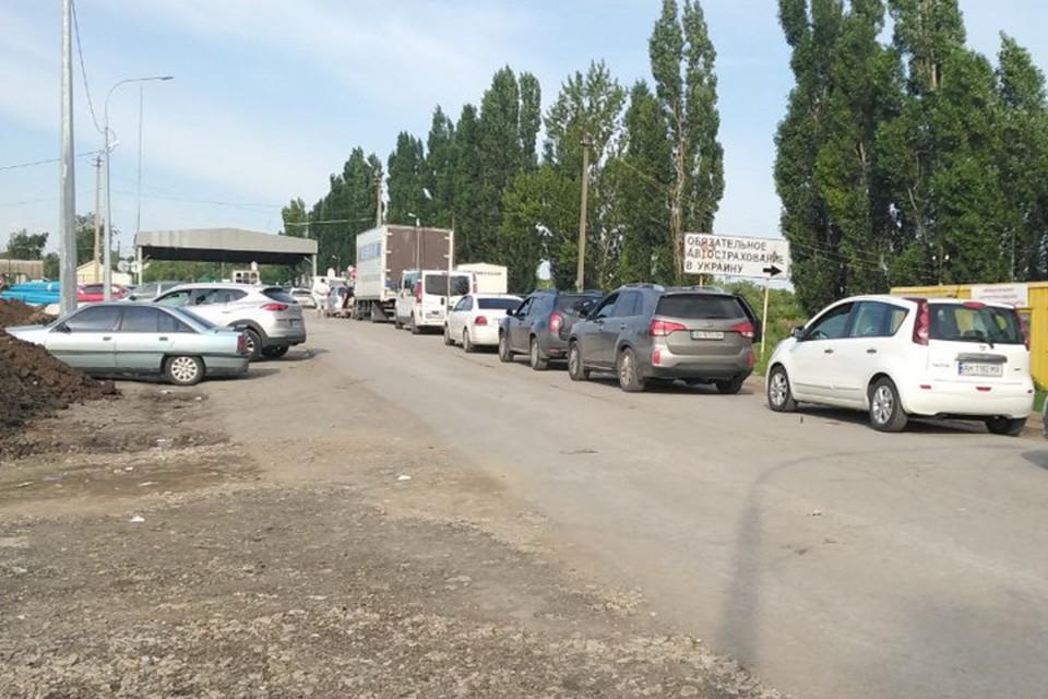 На «Меловом» большие очереди в сторону Украины. Фото: t.me/melovojechertkovo