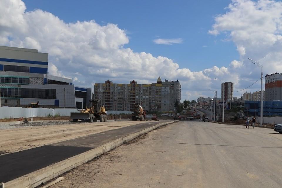 В Брянске 10 июля для движения транспорта открыли все шесть полос ремонтируемой дороги по улице Объездной.