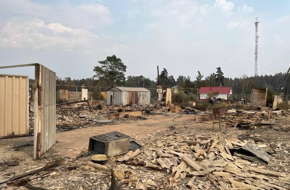 Жители поселков считают, что беды можно было избежать, если бы не шквалистый ветер.