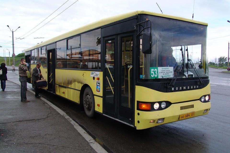 По мнению представителей фронта, в Барнауле для автобусов закупать рециркуляторы должны частные автоперевозчики