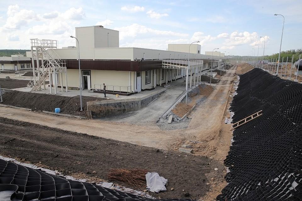 Инфекционную больницу начали строить летом 2020 года. Фото: сайт правительство РО