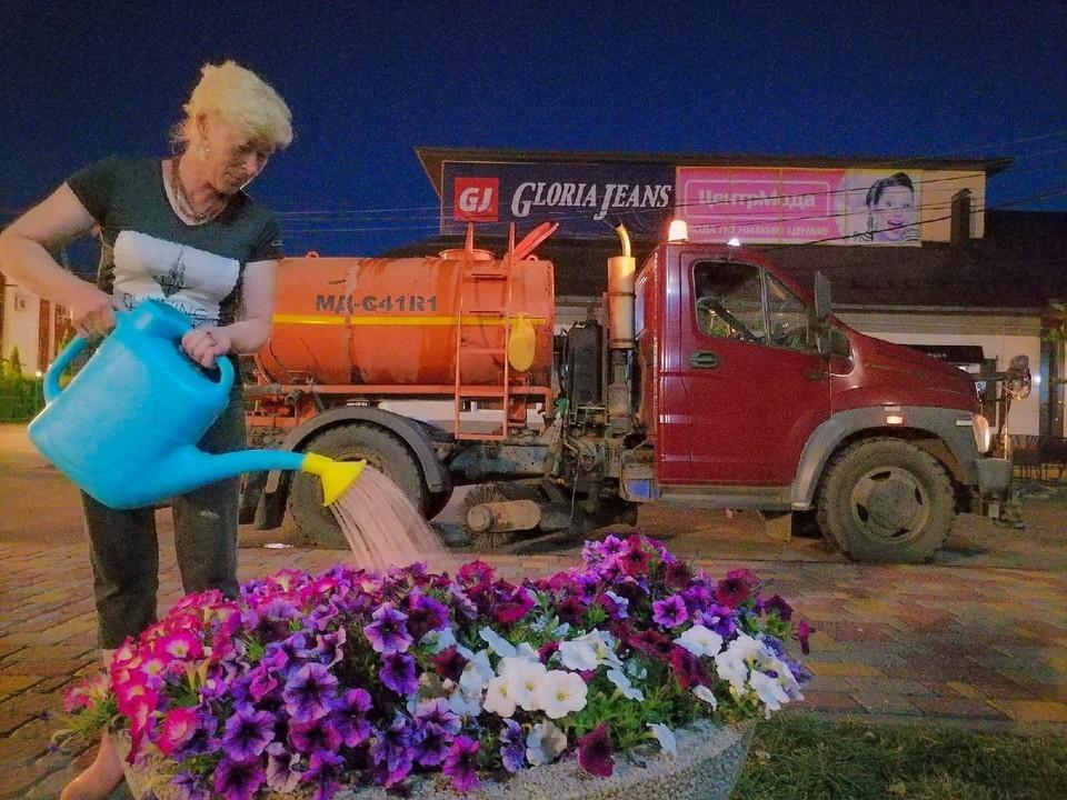 Всего в этом году город украшают более 30 тысяч цветов