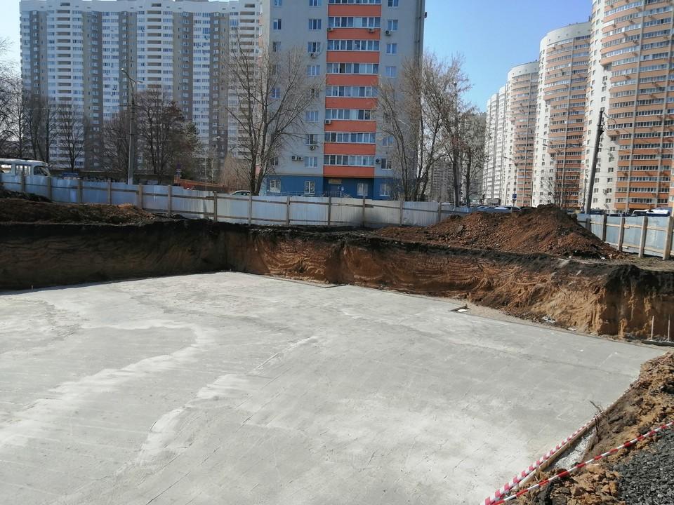 Фундамент для будущего детского центра и храма уже готов