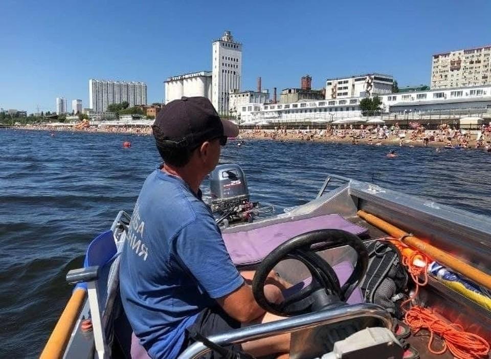 Спасатели на катерах будут обеспечивать безопасность на пляжах Саратова