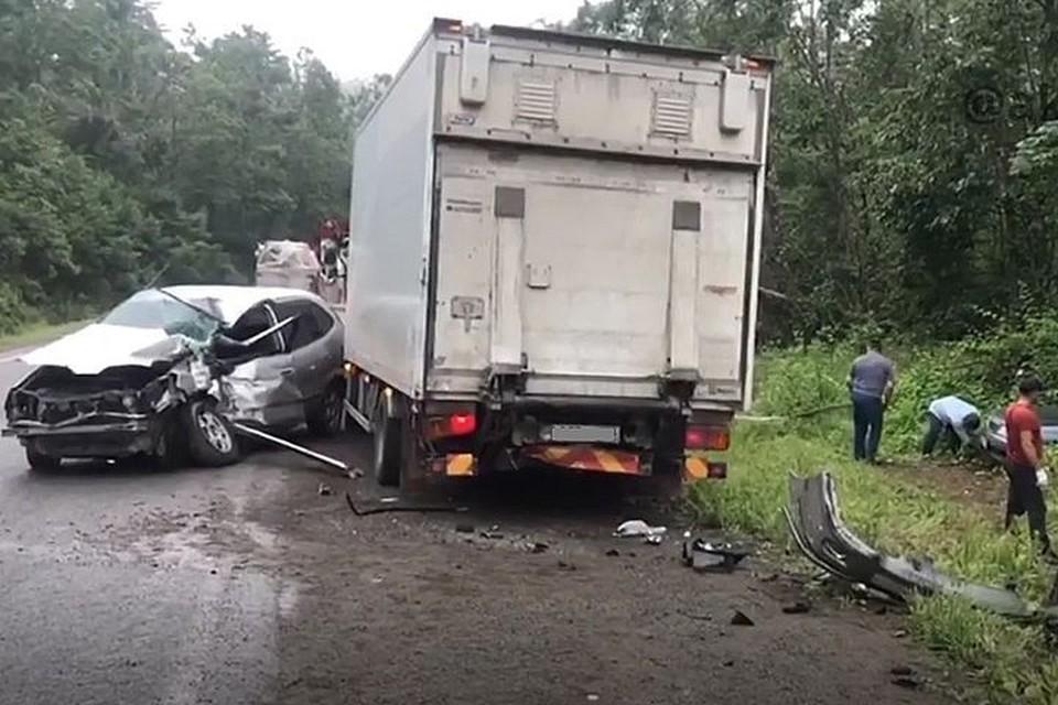 Авария произошла по дороге в бухту Лазурная.
