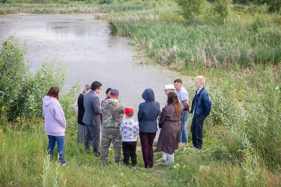 Жителям тюменского Плеханово расчистят пруд.