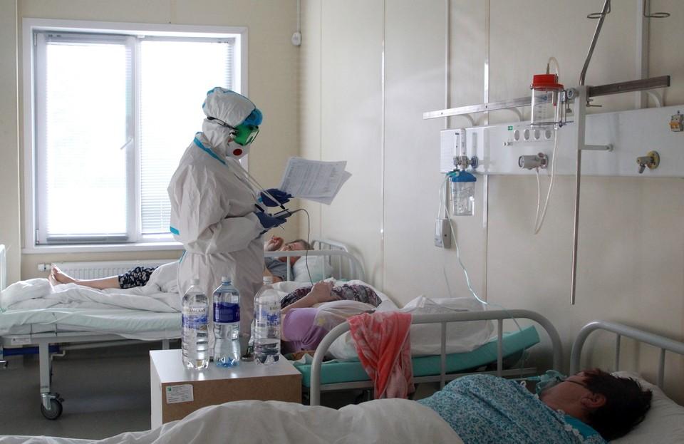 Сейчас в области выявляют более 400 новых случаев коронавируса каждый день.
