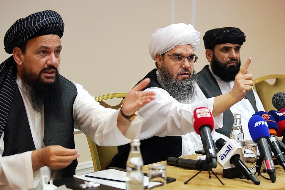 Представители талибов* приехали в Москву на переговоры, по завершении которых дали пресс-конференцию.
