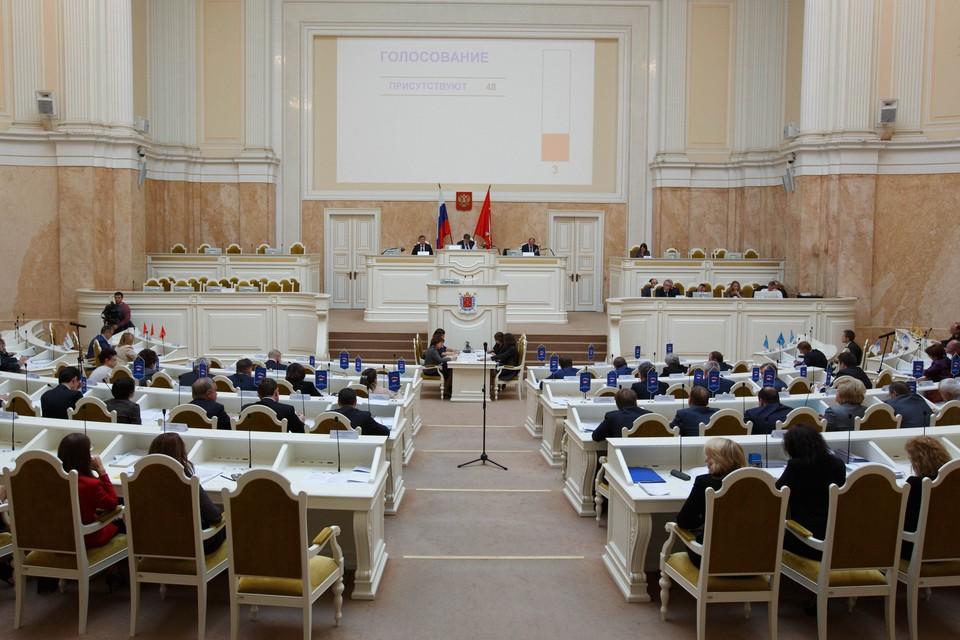 Спикер петербургского ЗакСа стал самым популярным в СМИ среди коллег-председателей региональных парламентов.