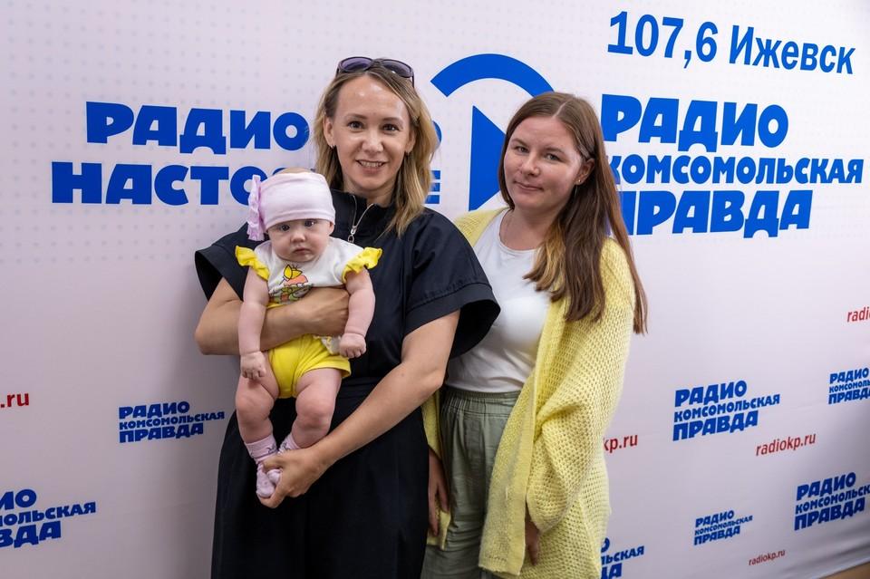 Анастасия Егорова, координатор конкурса «Обычный герой Ижевска 2021», Жанна Дмитриева, участница прошлого сезона
