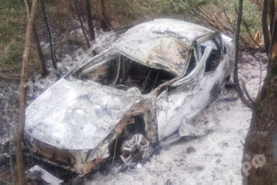 В сгоревшей машине нашли останки человека