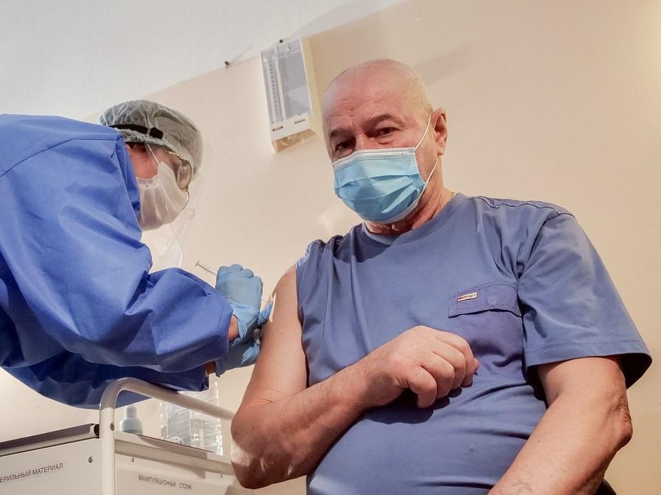 Прежде чем делать прививку от коронавируса, самарцы хотят убедиться в отсутствии противопоказаний