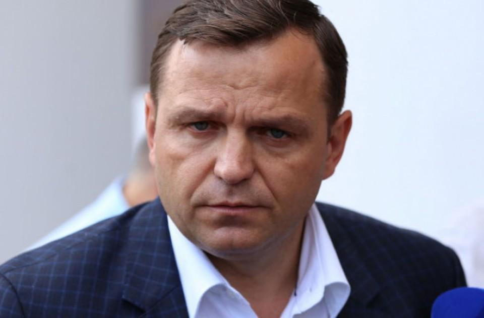 Андрей Нэстасе обвиняет команду Санду в применении плахотнюковских методов. Фото: соцсети