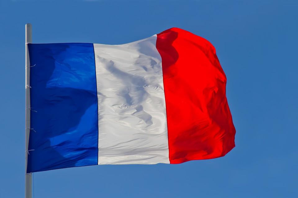 Около 114 тысяч человек поучаствовали в протестах против санитарных мер во Франции.