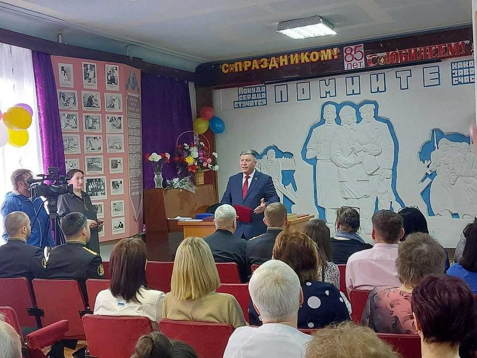 В каждом субъекте Российской Федерации единороссы организовали экспертные обсуждения по основным разделам народной программы.