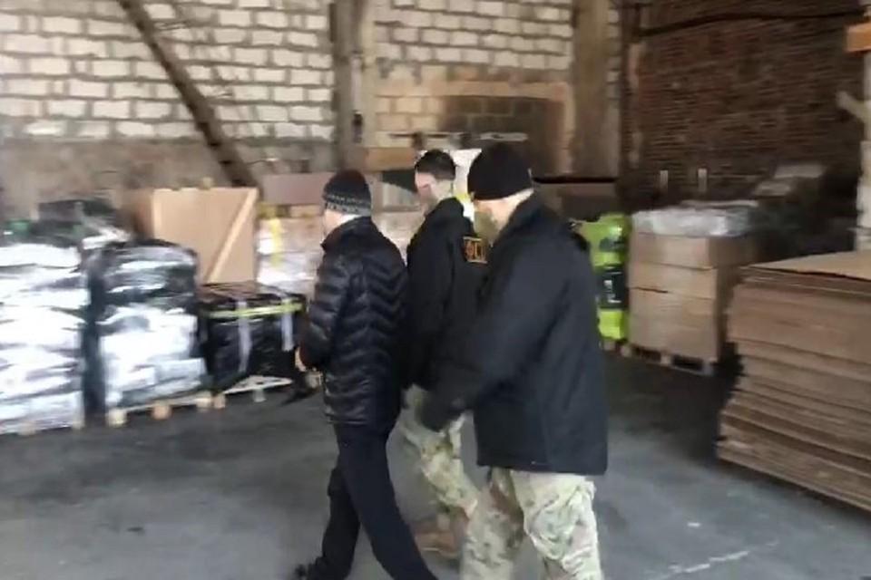 В Новосибирске вынесли приговор начальнику железнодорожной станции, попавшемуся на взятках. Фото: УФСБ РФ по НСО.