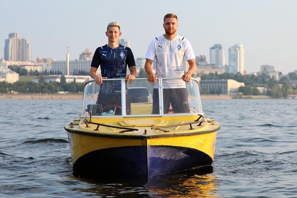 Зиньковский и Сергеев представили новую форму «Крыльев».