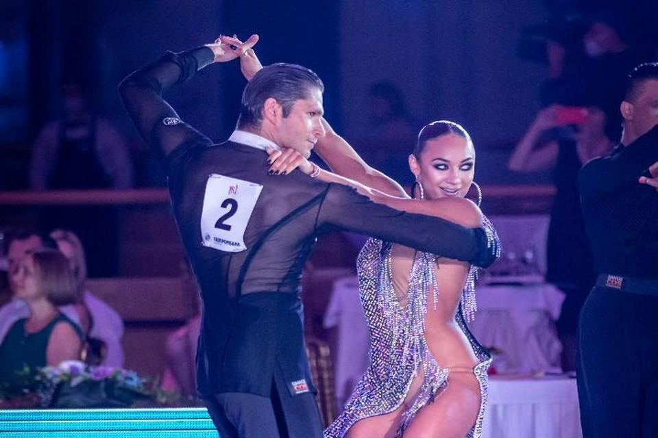 Кирилл Белоруков и его партнерша Виктория Харченко. Фото: предоставлены Российским танцевальным союзом