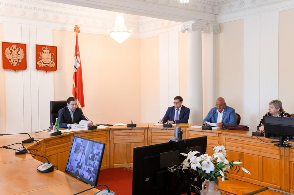 Социальное партнёрство в Смоленской области назвали одним из лучших в стране. Фото: пресс-служба администрации Смоленской области.