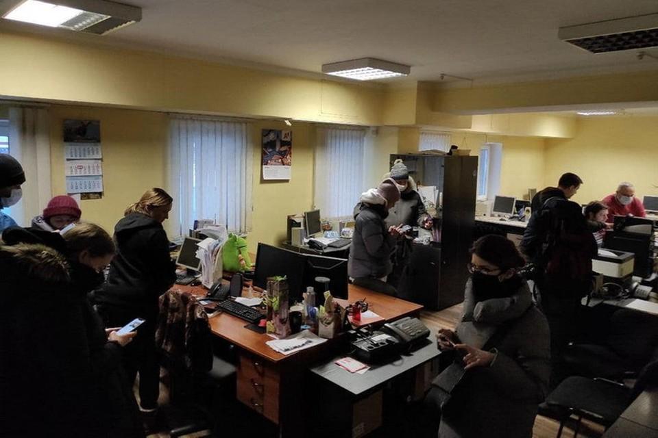 За последние 10 дней в редакциях и квартирах представителей СМИ проведено 63 обыска. Фото: Bajby