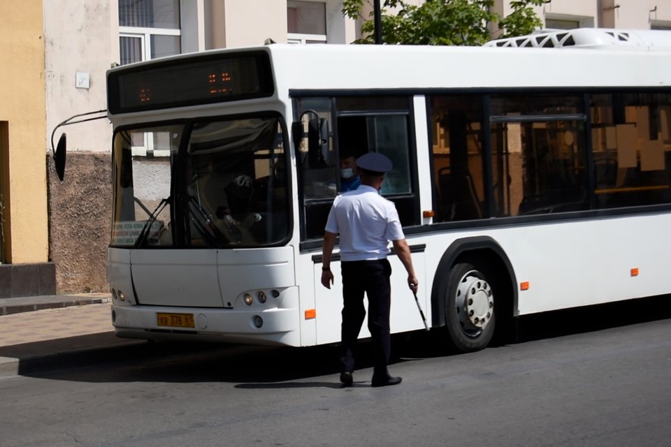 За пять дней сотрудники ГИБДД составили 72 протокола при нарушениях ПДД водителями общественного транспорта в городе. Фото: СЕЛИМОВ Артур