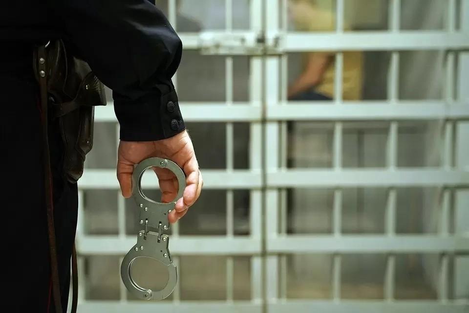 Сообщается, что подозреваемых задержали сегодня утром. Подробности инцидента уточняются и дополняются