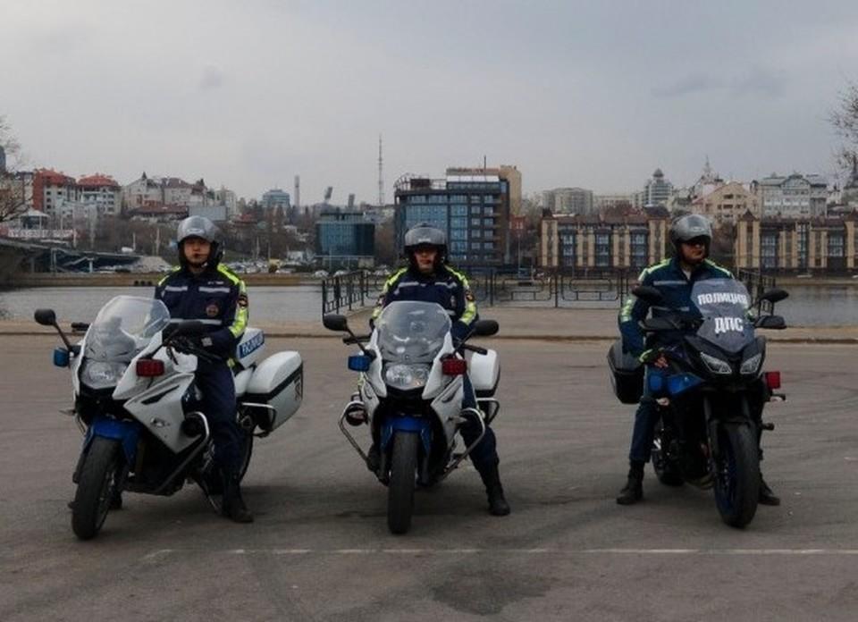 Патрульные полицейские-мотоциклисты к рейду готовы.