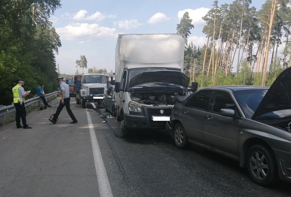 В аварии пострадали три человека. Фото: Отделение пропаганды ГИБДД Екатеринбурга