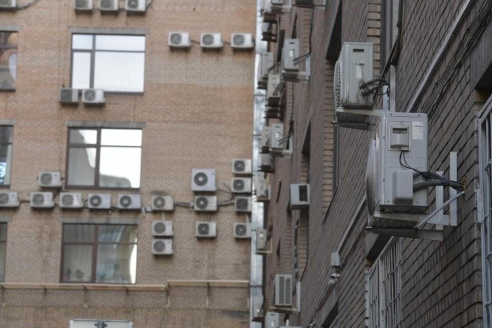 Нужно подключать смекалку, чтобы выжить в квартире без кондиционера