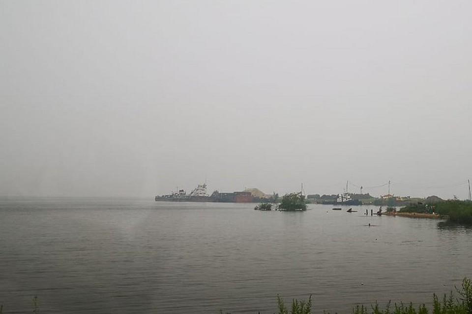 Едкий смог от природных пожаров в край принесли смещающиеся воздушные массы и западный ветер. Фото: nikolaevskonamur