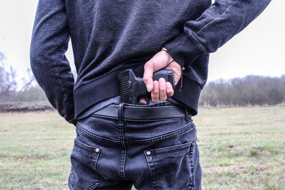 После преступления грабитель выбросил пистолет