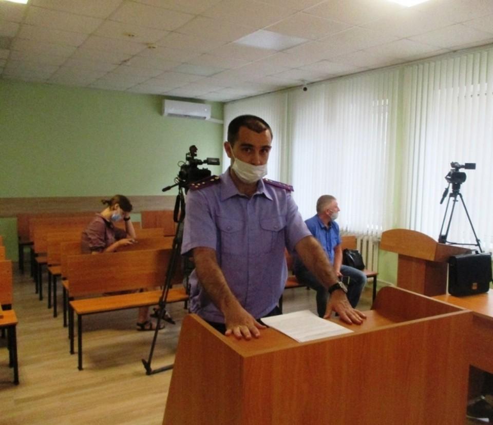 Суд отправил полицейского под стражу