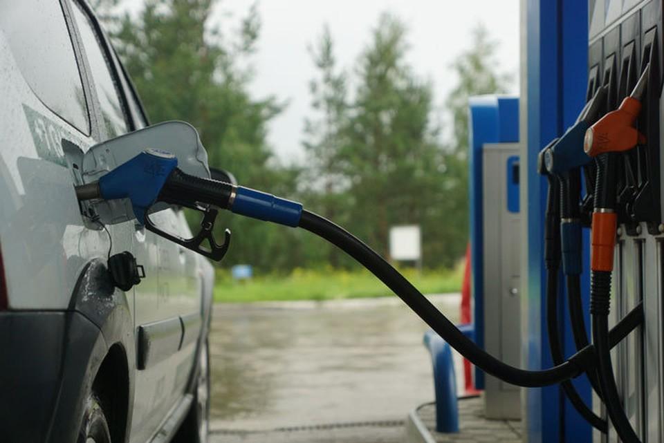 Цены на бензин продолжают расти.